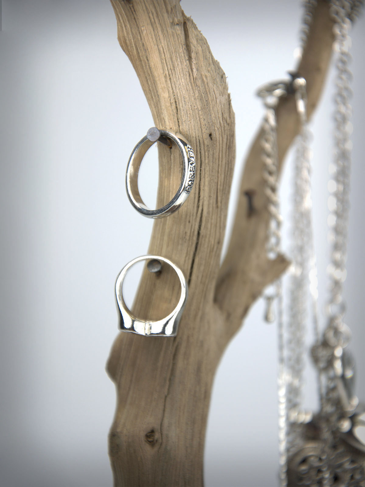Drevo za nakit